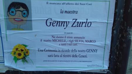 Il manifesto funebre della maestra Genny Zurlo, morta di covid a Paderno Dugnano